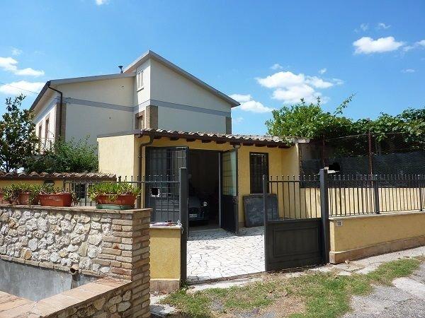 Magazzino in vendita a Fara in Sabina, 9999 locali, prezzo € 29.000 | CambioCasa.it