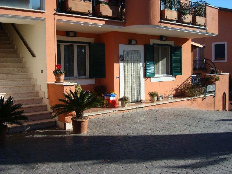 Appartamento in vendita a Montelibretti, 4 locali, prezzo € 135.000 | CambioCasa.it