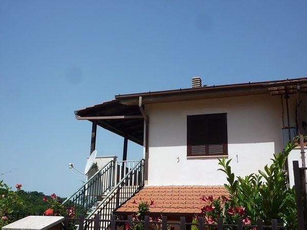 Appartamento in vendita a Scandriglia, 3 locali, prezzo € 50.000   CambioCasa.it