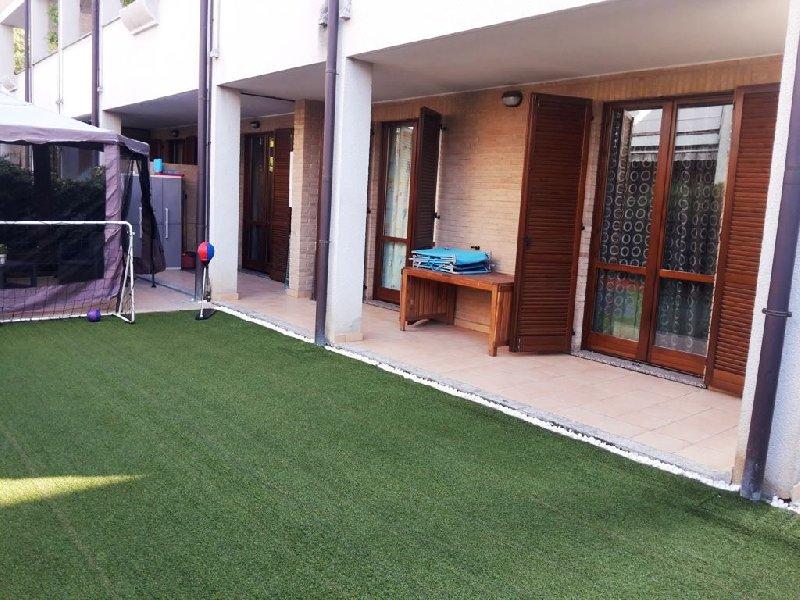 Appartamento in vendita a Seveso, 3 locali, prezzo € 189.000 | CambioCasa.it