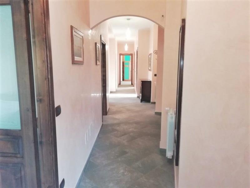 Appartamento in vendita a Catania, 7 locali, prezzo € 340.000 | CambioCasa.it