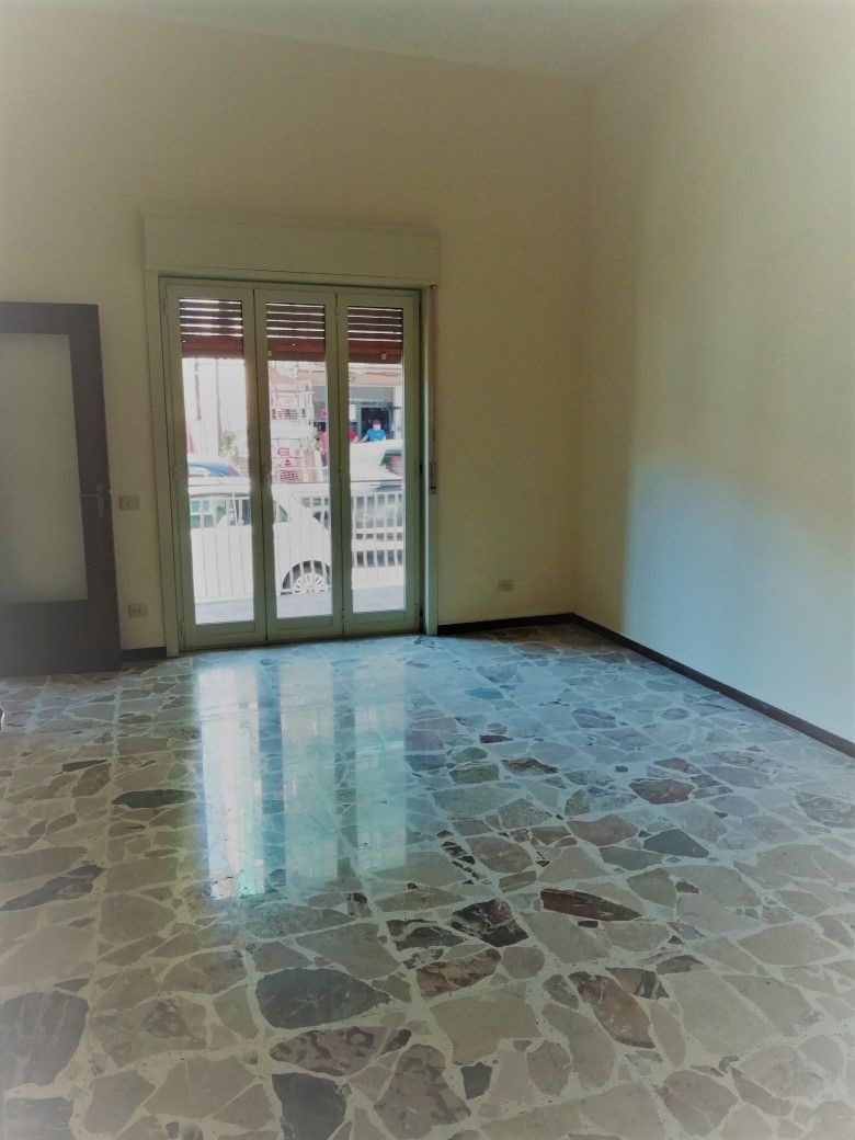 Ufficio / Studio in affitto a Gravina di Catania, 9999 locali, prezzo € 800 | CambioCasa.it