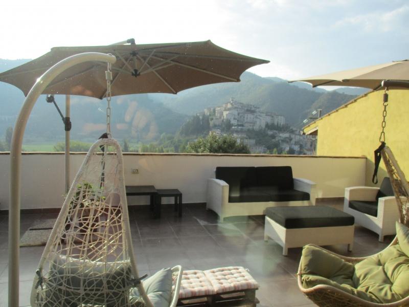 Appartamento in vendita a Arrone, 3 locali, zona Zona: Casteldilago, prezzo € 200.000   CambioCasa.it