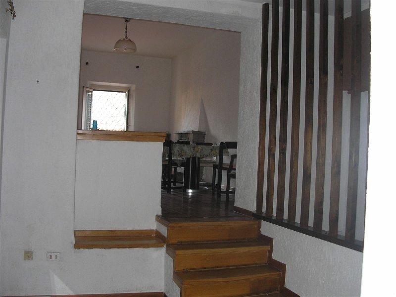 Appartamento in vendita a Arrone, 3 locali, prezzo € 75.000   CambioCasa.it