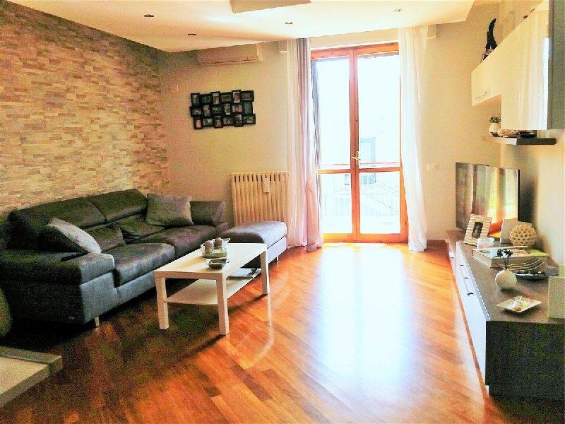 Appartamento in vendita a Cellamare, 3 locali, prezzo € 120.000   CambioCasa.it
