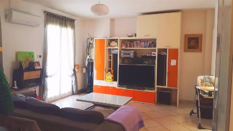 Appartamento in vendita a Albenga, 4 locali, prezzo € 255.000 | PortaleAgenzieImmobiliari.it