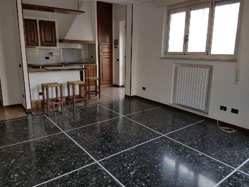 Appartamento in vendita a Albenga, 4 locali, prezzo € 290.000 | PortaleAgenzieImmobiliari.it