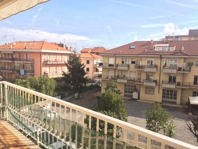 Appartamento in vendita a Albenga, 2 locali, prezzo € 165.000 | PortaleAgenzieImmobiliari.it