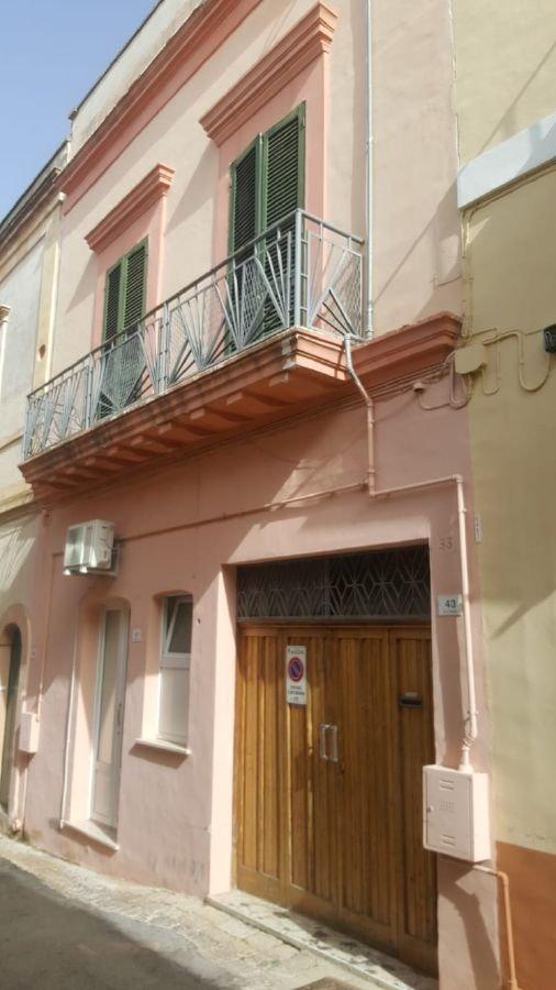 Palazzo / Stabile in vendita a Alezio, 9999 locali, prezzo € 95.000 | CambioCasa.it
