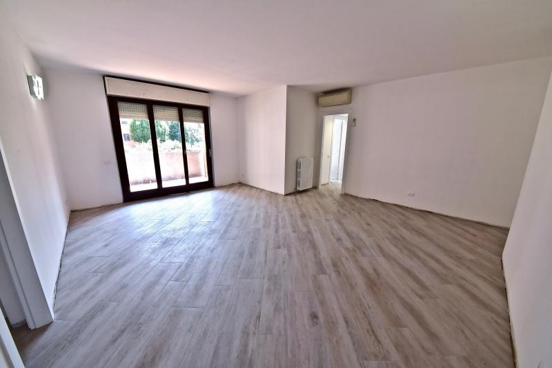 Appartamento in vendita a Senago, 4 locali, prezzo € 225.000 | PortaleAgenzieImmobiliari.it
