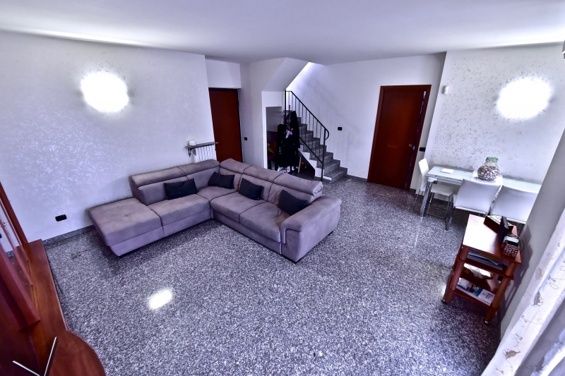 Appartamento in vendita a Bollate, 4 locali, prezzo € 205.000 | PortaleAgenzieImmobiliari.it