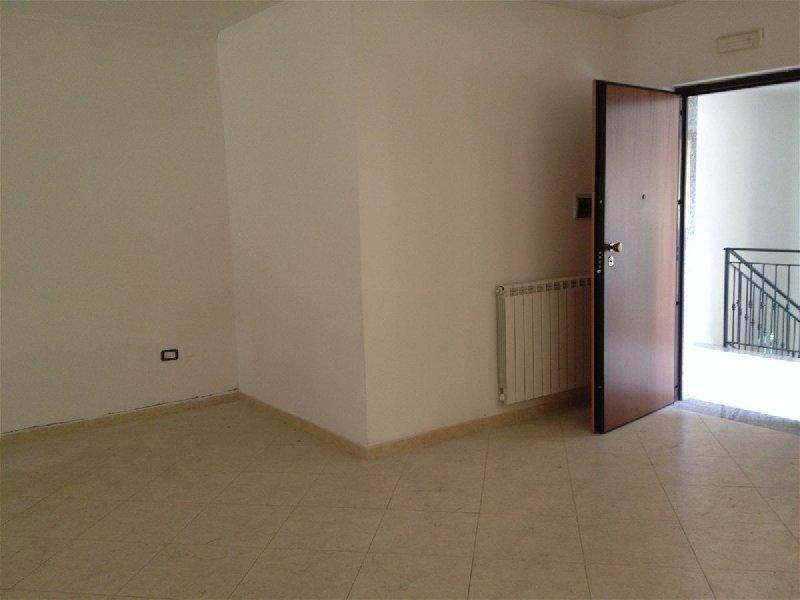 Appartamento in vendita a Casapulla, 3 locali, prezzo € 160.000 | CambioCasa.it