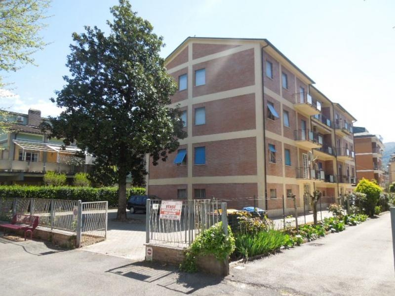 Appartamento in vendita a Rieti, 7 locali, prezzo € 135.000 | CambioCasa.it