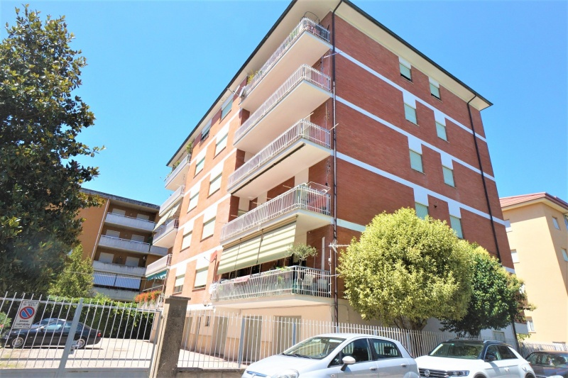 Appartamento in vendita a Rieti, 6 locali, prezzo € 185.000 | CambioCasa.it