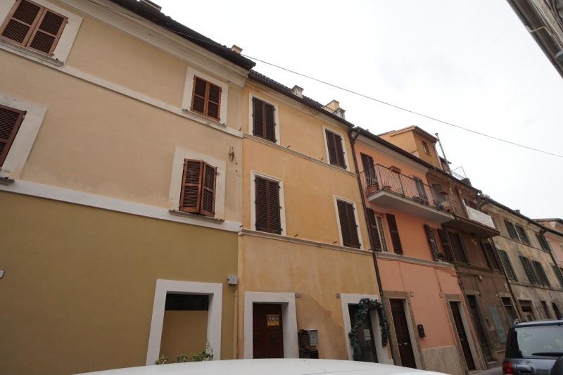 Appartamento in vendita a Rieti, 3 locali, prezzo € 70.000   CambioCasa.it