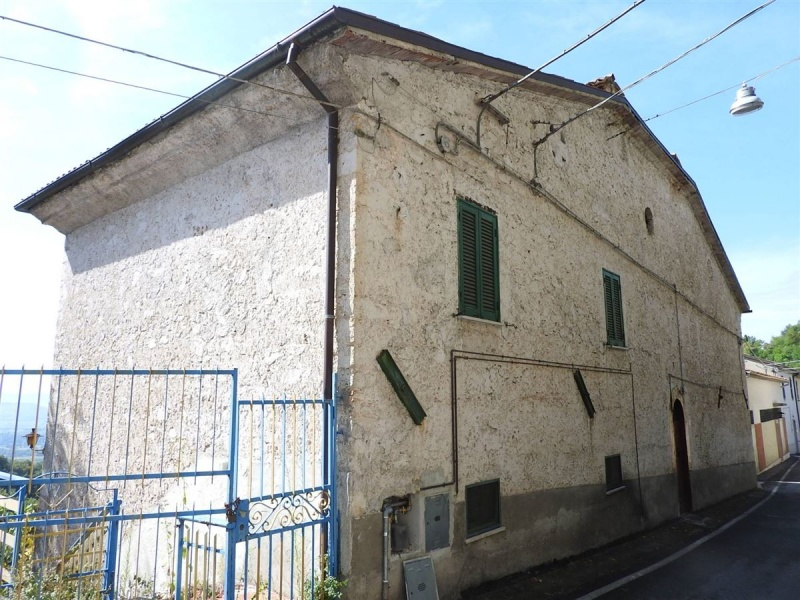 Soluzione Indipendente in vendita a Rivodutri, 10 locali, prezzo € 50.000 | CambioCasa.it