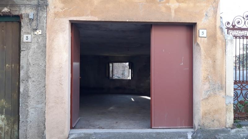 Box / Garage in Vendita a Trecastagni